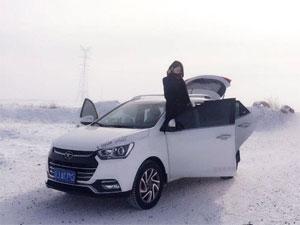 白雪下更显美丽 江淮瑞风S2带我回家乡