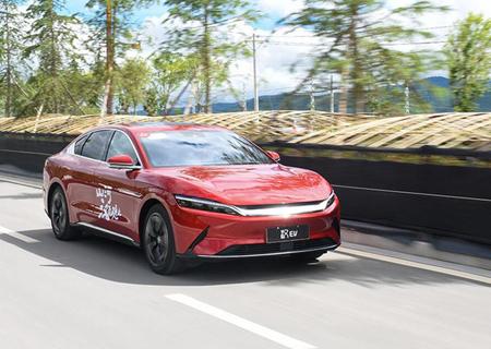 试驾体验比亚迪汉EV 四驱高性能旗舰版