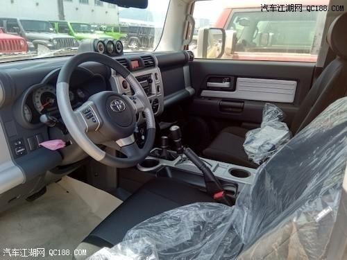 2019款丰田FJ酷路泽体验 配五速变速箱