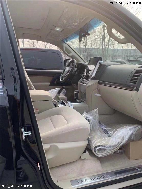 2019款丰田酷路泽XR4000天窗版现车体验