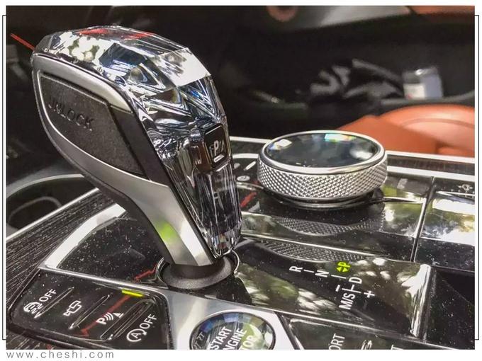���RX7 xDrive 50海外��拍�D 海外�_售