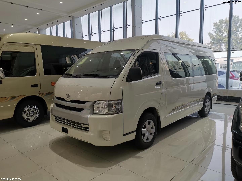 18款丰田海狮豪华小型商务客车实拍评测