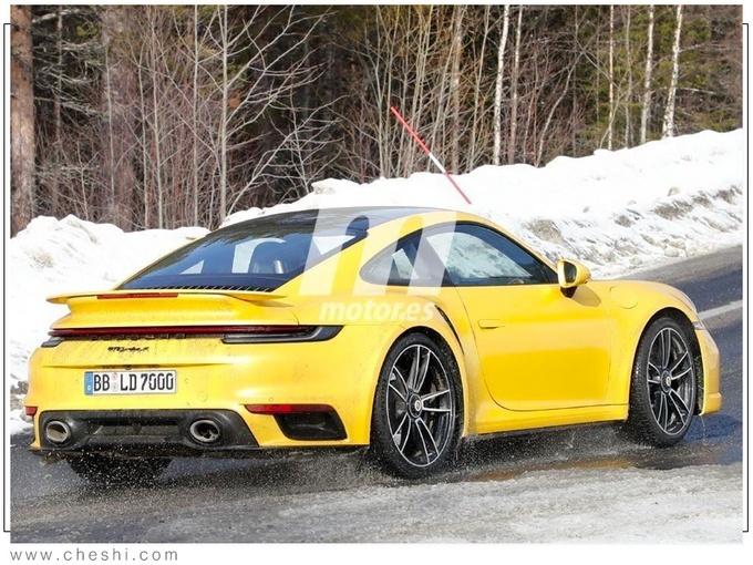 保时捷911 Turbo S冰雪路试 二季度交付