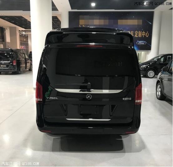 奔驰V260定制迈巴赫版豪华商务车型体验