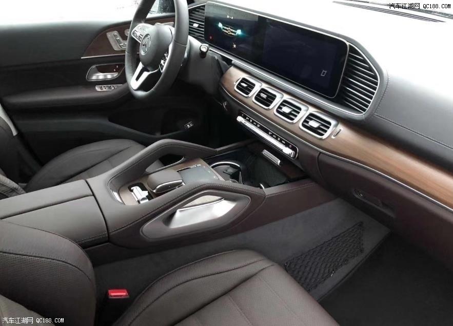 新一代20款奔驰GLS450加版实用性能体验