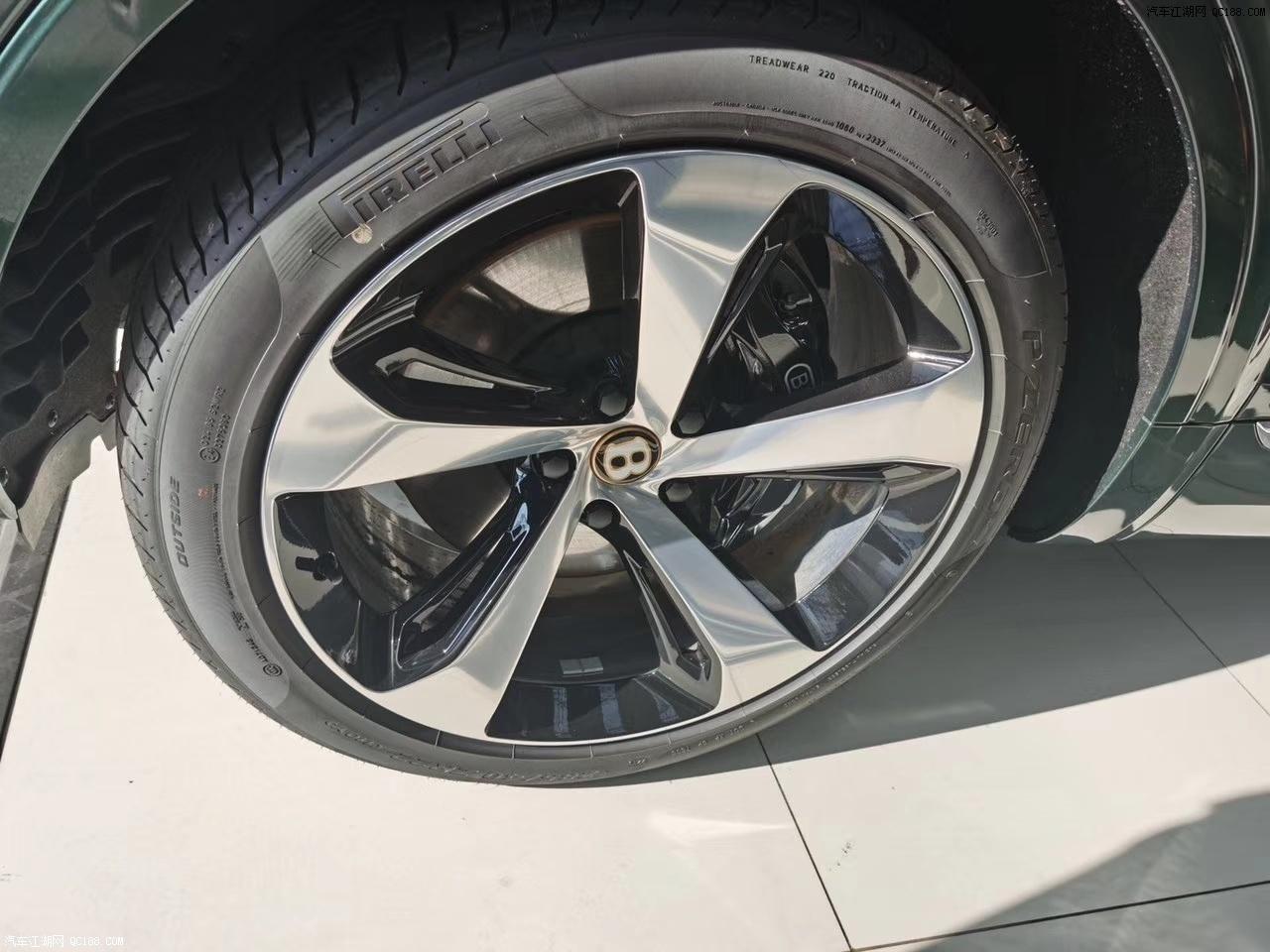 2020款宾利添越4.0T V8四驱大型SUV评测