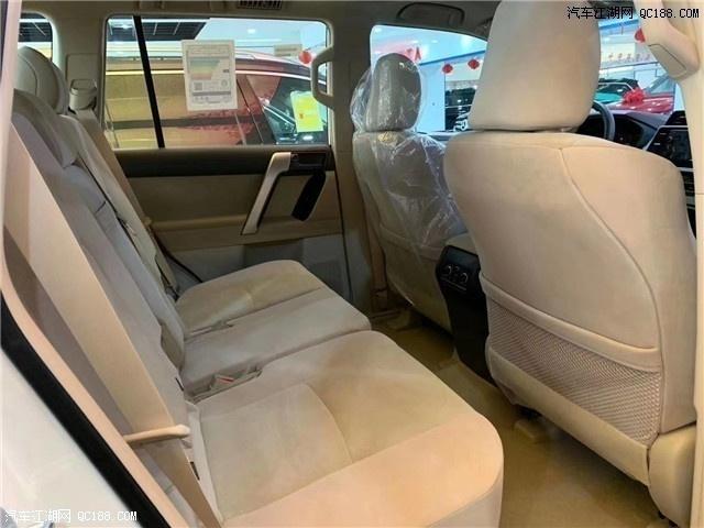 2020款中东版丰田霸道2700新车试驾体验