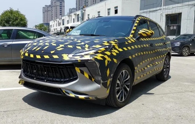 东风风行推出三款车型 跨界SUV11月首发