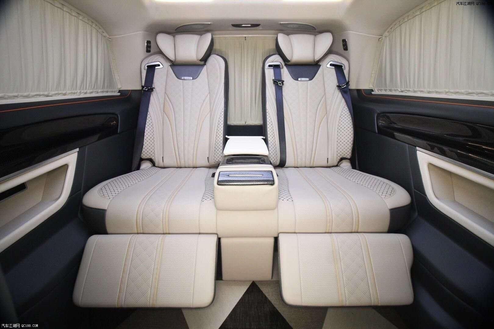 2020款全新一代奔驰V260迈巴赫版实拍