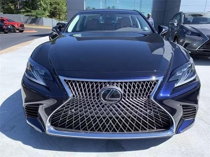 雷克萨斯新款LS实拍图 搭载5.0L V8动力