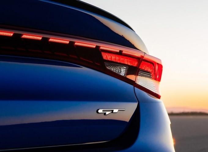 起亚K5 GT官图 升级全新LED雾灯/配上四驱