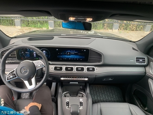 2020款奔驰GLS450加版国六现车最新报价