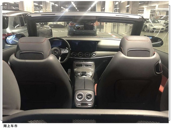 梅赛德斯-AMG E53 Coupe敞篷版最新实拍