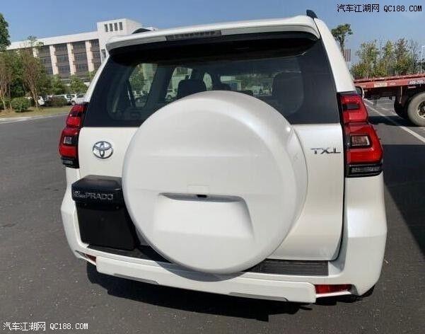 2021款丰田普拉多3000中东版内饰实拍