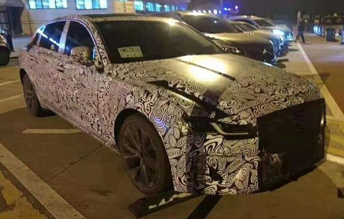 奇瑞捷豹路虎XFL于上海车展上正式亮相
