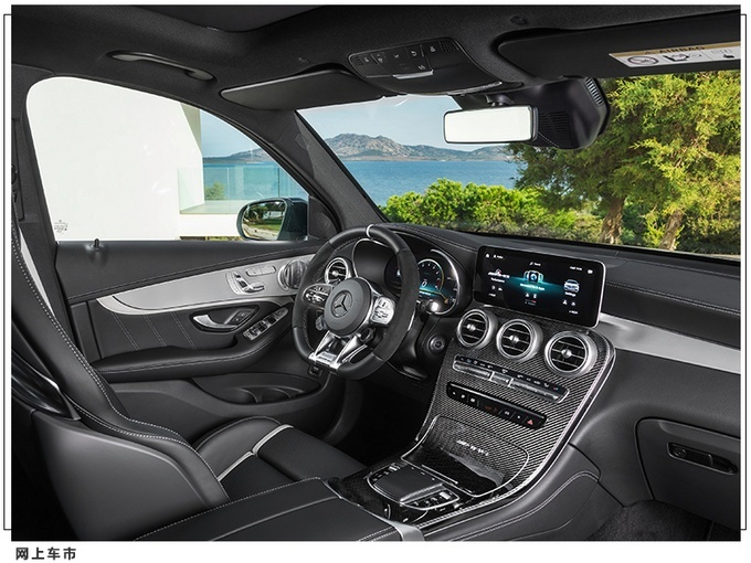 梅赛德斯-AMG推出GLC 63 S 搭4.0T V8