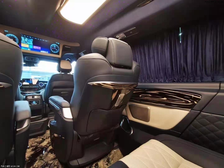 高顶奔驰V260迈巴赫7座无隔断现车评测