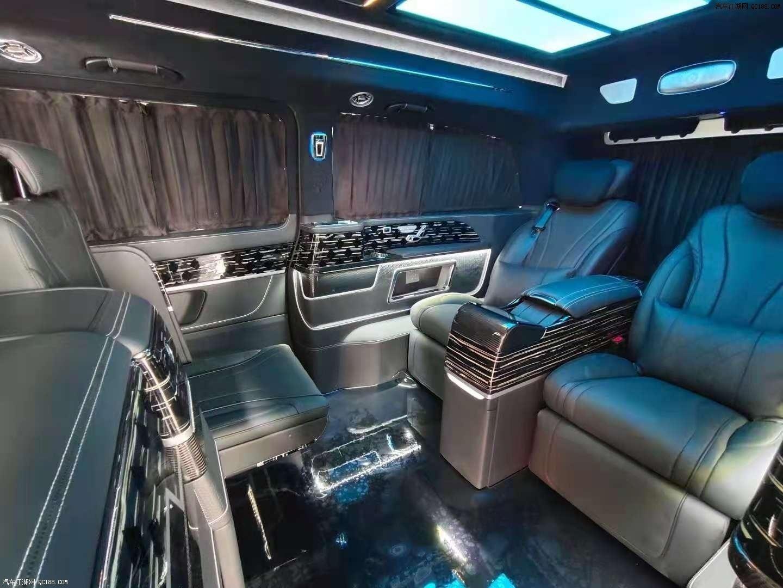 新一代奔驰V260迈巴赫VS680商务车评测
