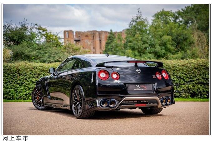 日产GT-R跑车实拍图曝光 配大尺寸尾翼