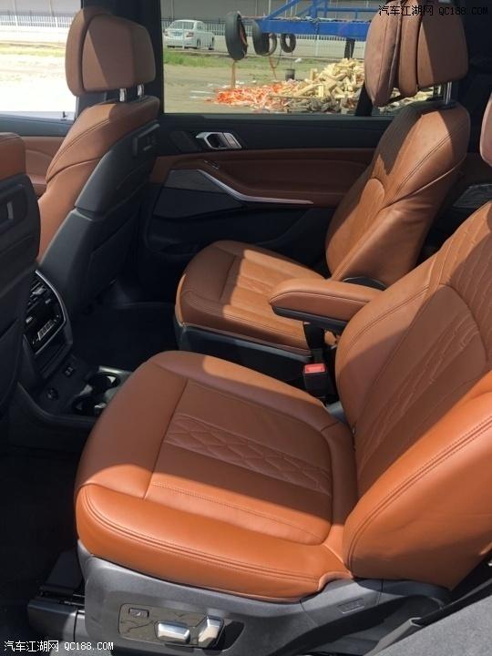 平行进口2021款宝马X7加版现车详细报价