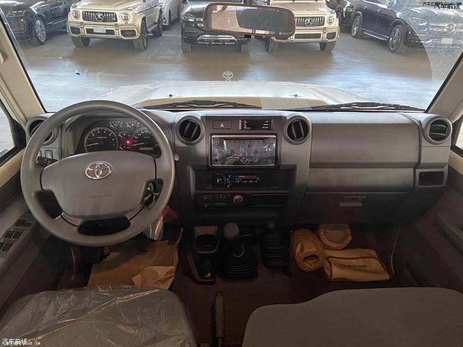 19款丰田LC76中东版高配4.0港口现车试驾